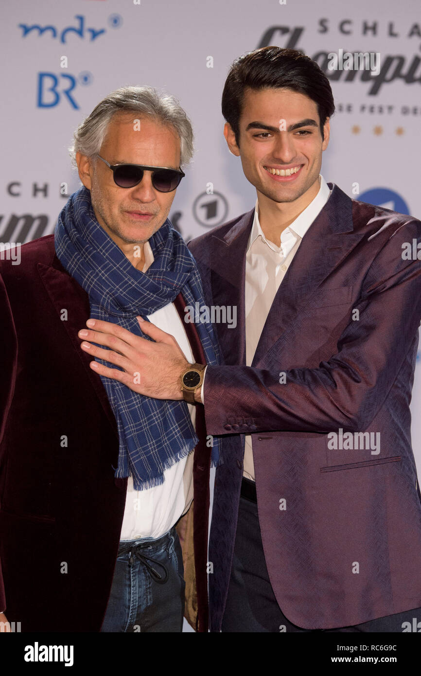 Berlin, Deutschland. 12th Jan, 2019. Andrea BOCELLI, ITA, singer, tenor, musician, with son MATTEO, Red Carpet, Red Carpet Show, Arrival, arrival, 'Schlagerchampions - the big festival of the best' on the 12.01.2019 in the Velodrom Berlin, | usage worldwide Credit: dpa/Alamy Live News - Stock Image