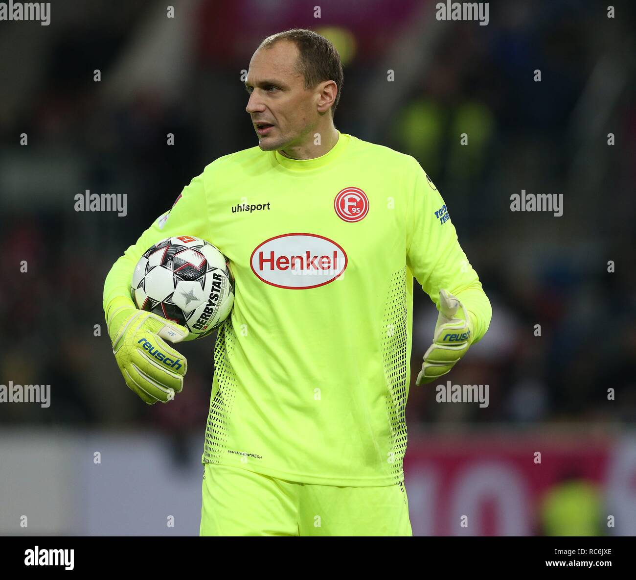 Fortuna Dusseldorf Goalkeeper High Resolution Stock Photography And Images Alamy