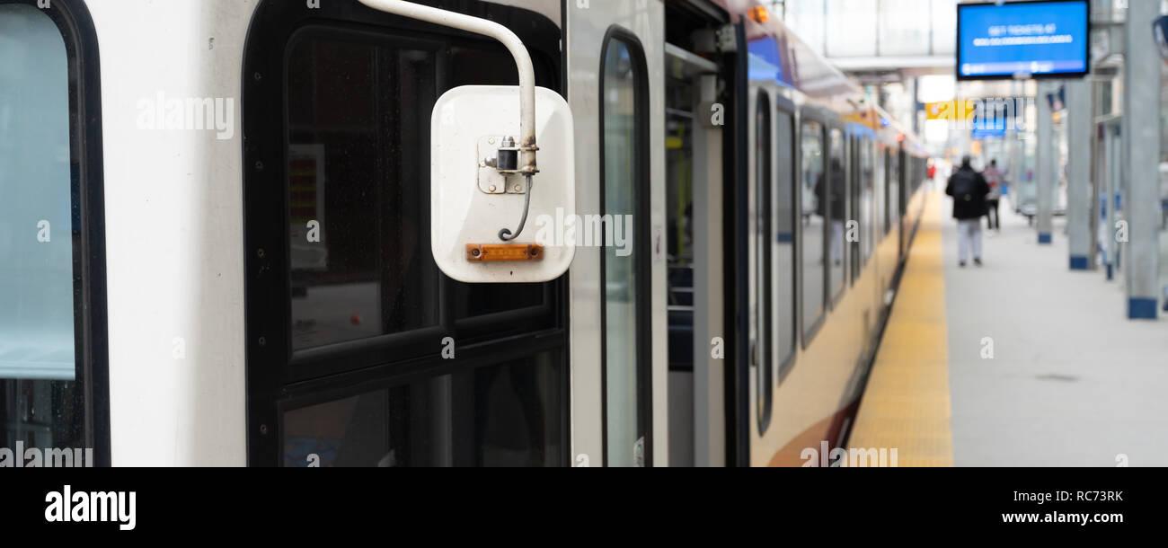 Mass transit train at downtain city rail station - Stock Image