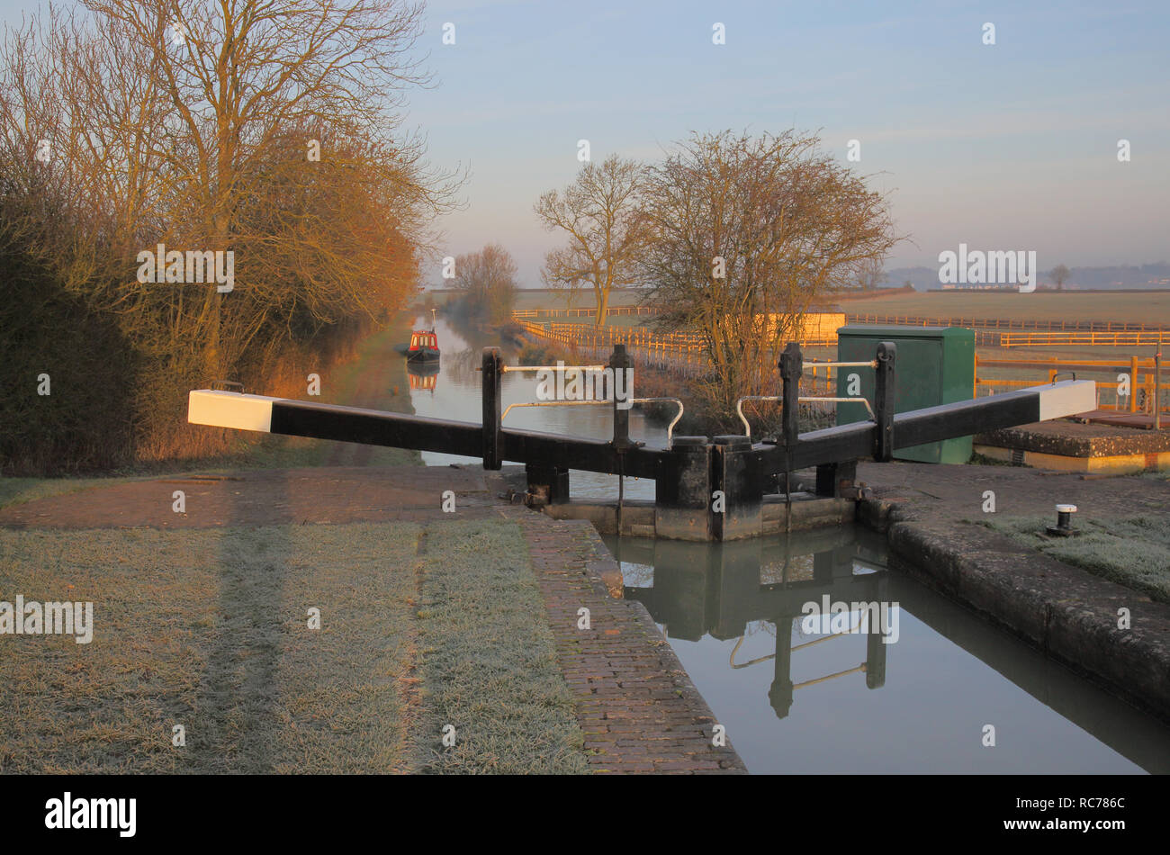 lock on the oxford canal at marston dole in oxfordshire england - Stock Image