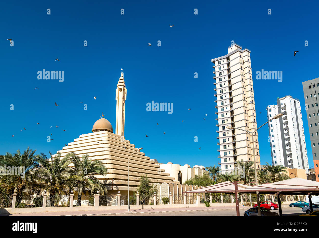 Shaikh Nasser al-Sabah Mosque in Kuwait - Stock Image