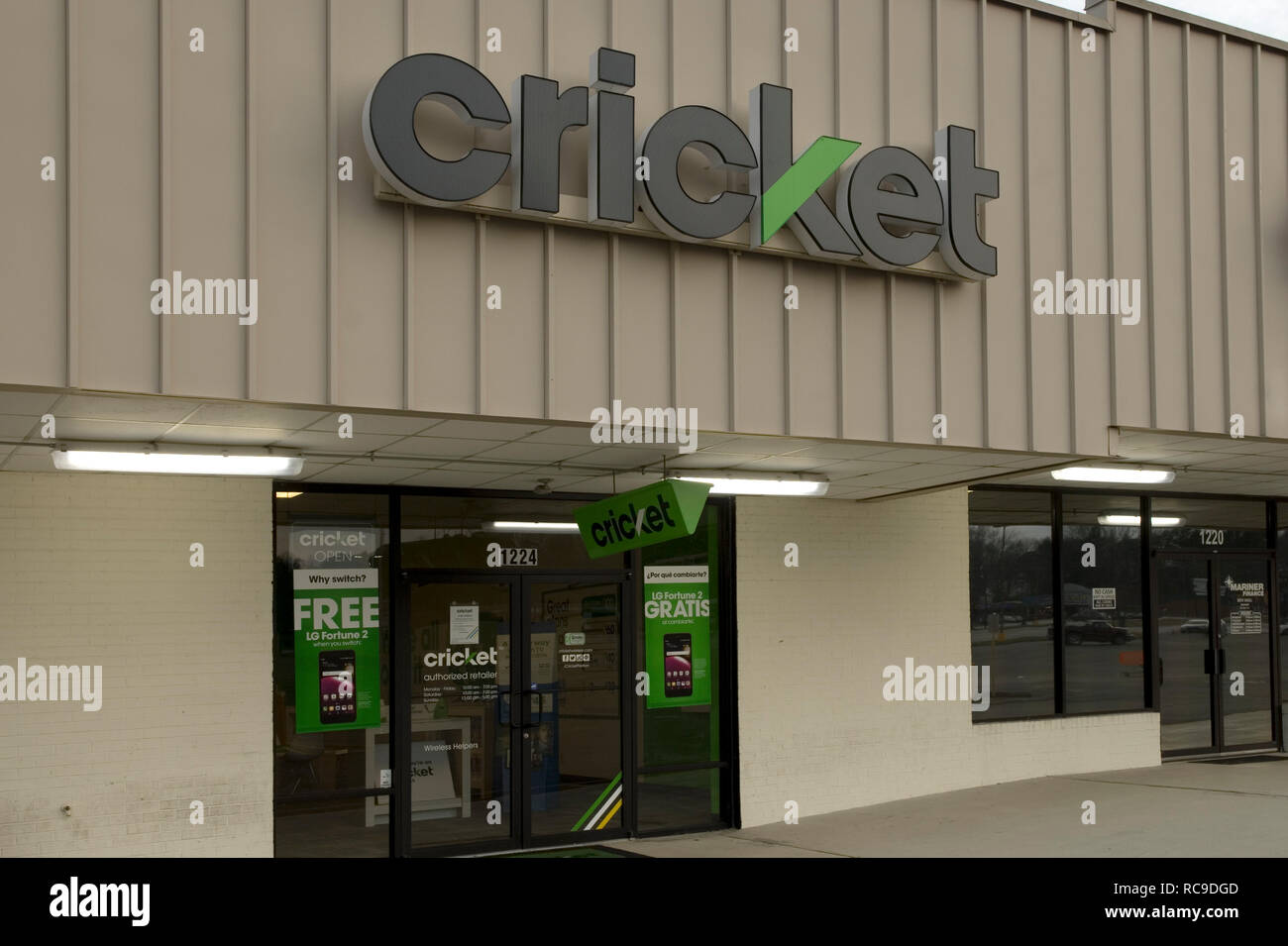 Cricket Cellphone Service Retail Store USA - Stock Image