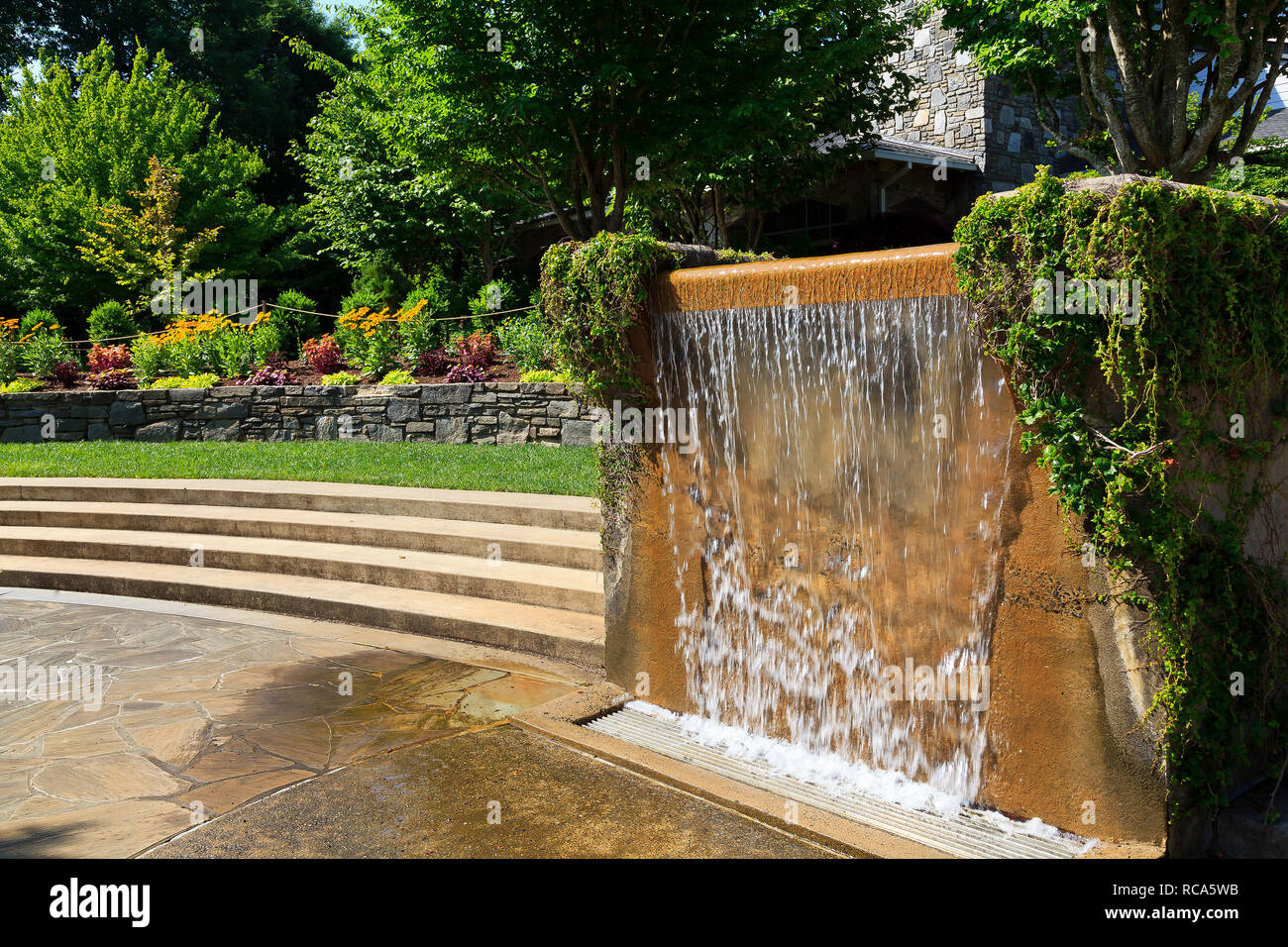 Water Fountain at North Carolina Arboretum in Asheville - Stock Image