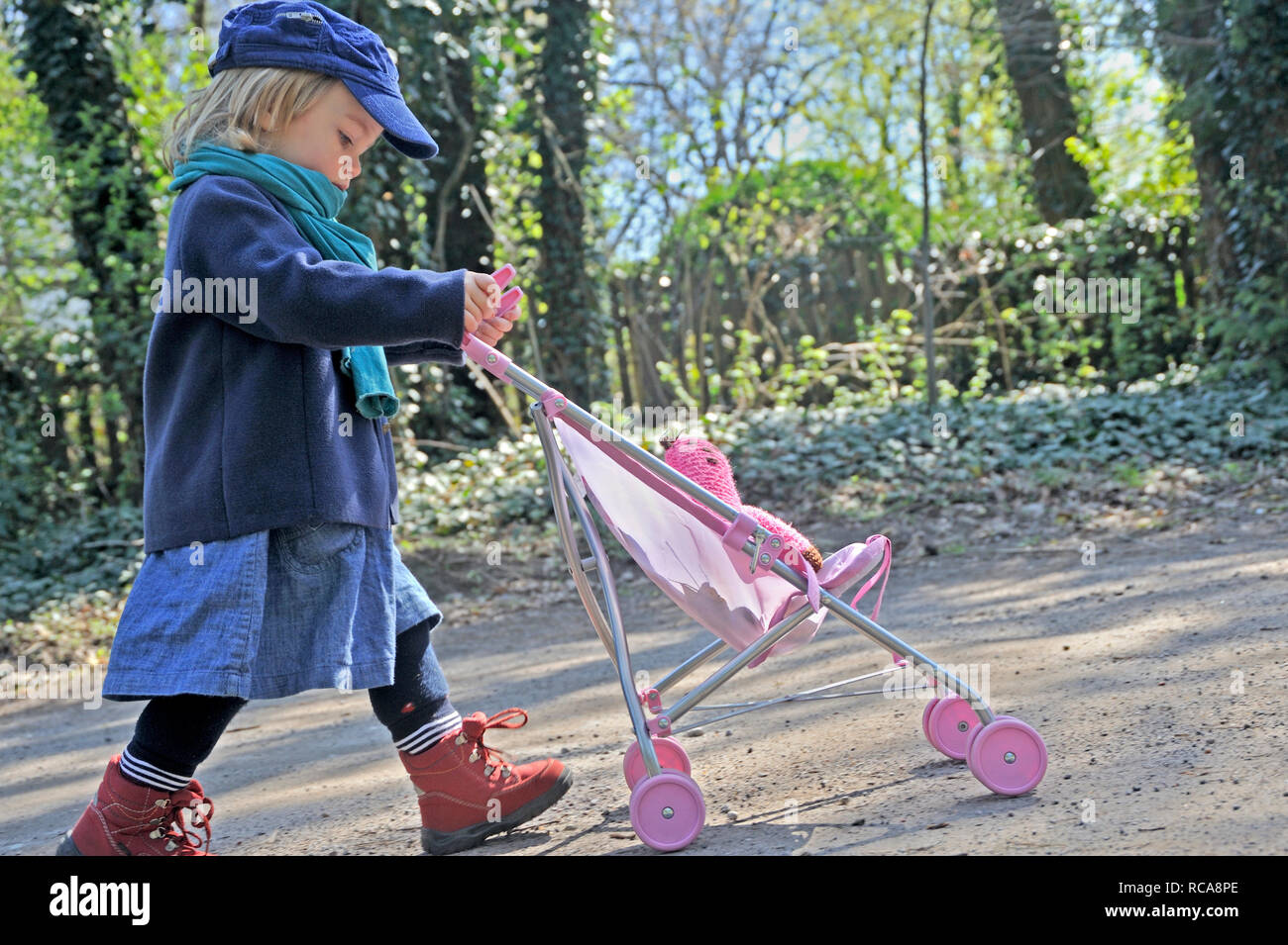 Doll Buggy Stock Photos & Doll Buggy Stock Images - Alamy