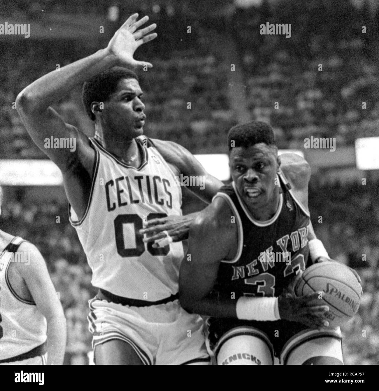 Game action NY Knicks Patrick Ewing and Bosotn Celtics Robert Parish at the Fleet Center in Boston Ma USA 1997 photo by bill belknap Stock Photo