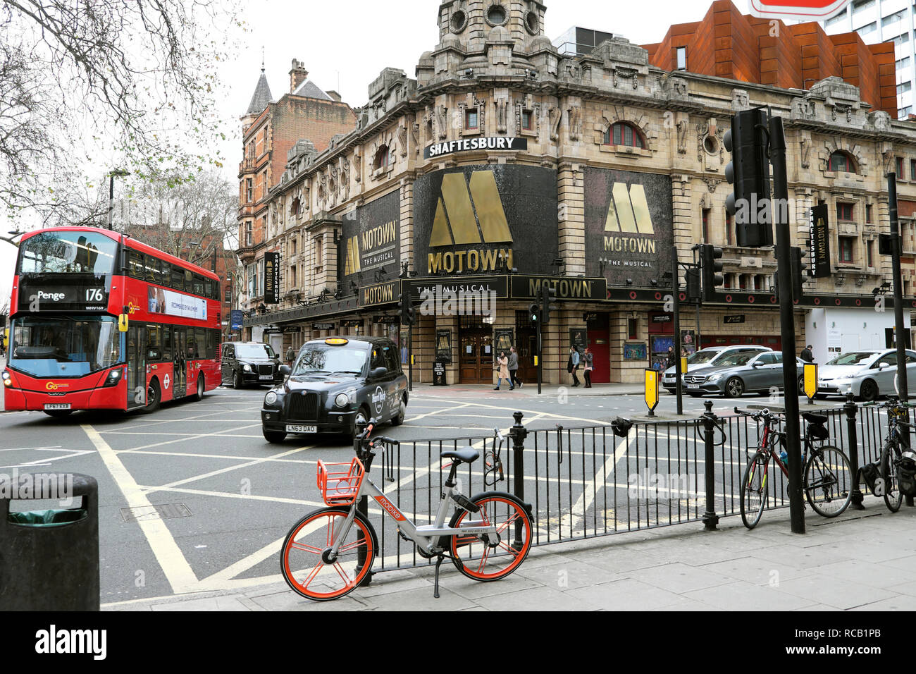 Shaftesbury Theatre featuring Motown the Musical on Shaftesbury Avenue in London WC2 England UK    KATHY DEWITT - Stock Image