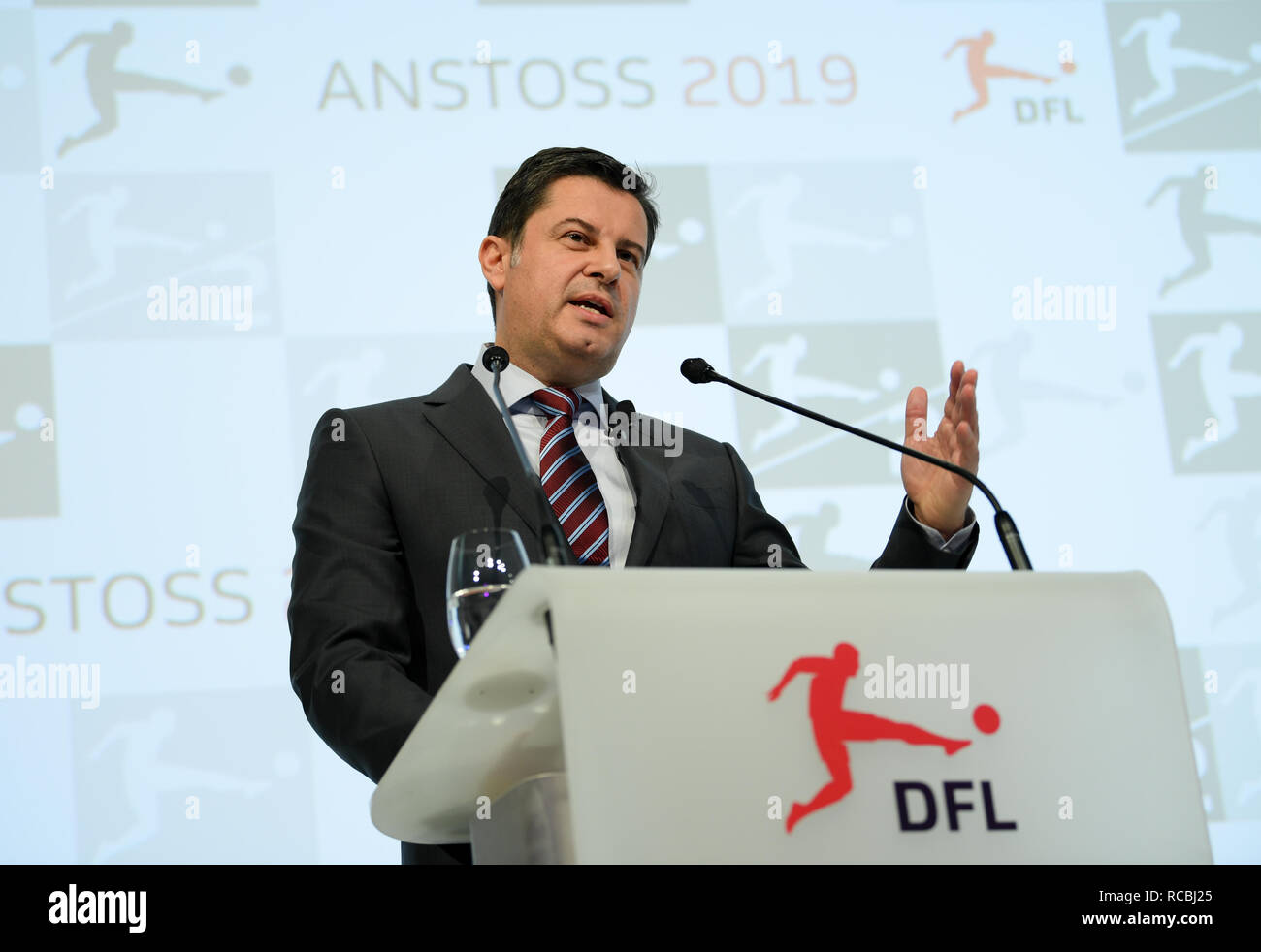 Frankfurt, Germany. 15 January 2019, Christian Seifert, Managing Director of the German Football League (DFL), speaks at the New Year's Reception of the German Football League. Photo: Arne Dedert/dpa Credit: dpa picture alliance/Alamy Live News - Stock Image