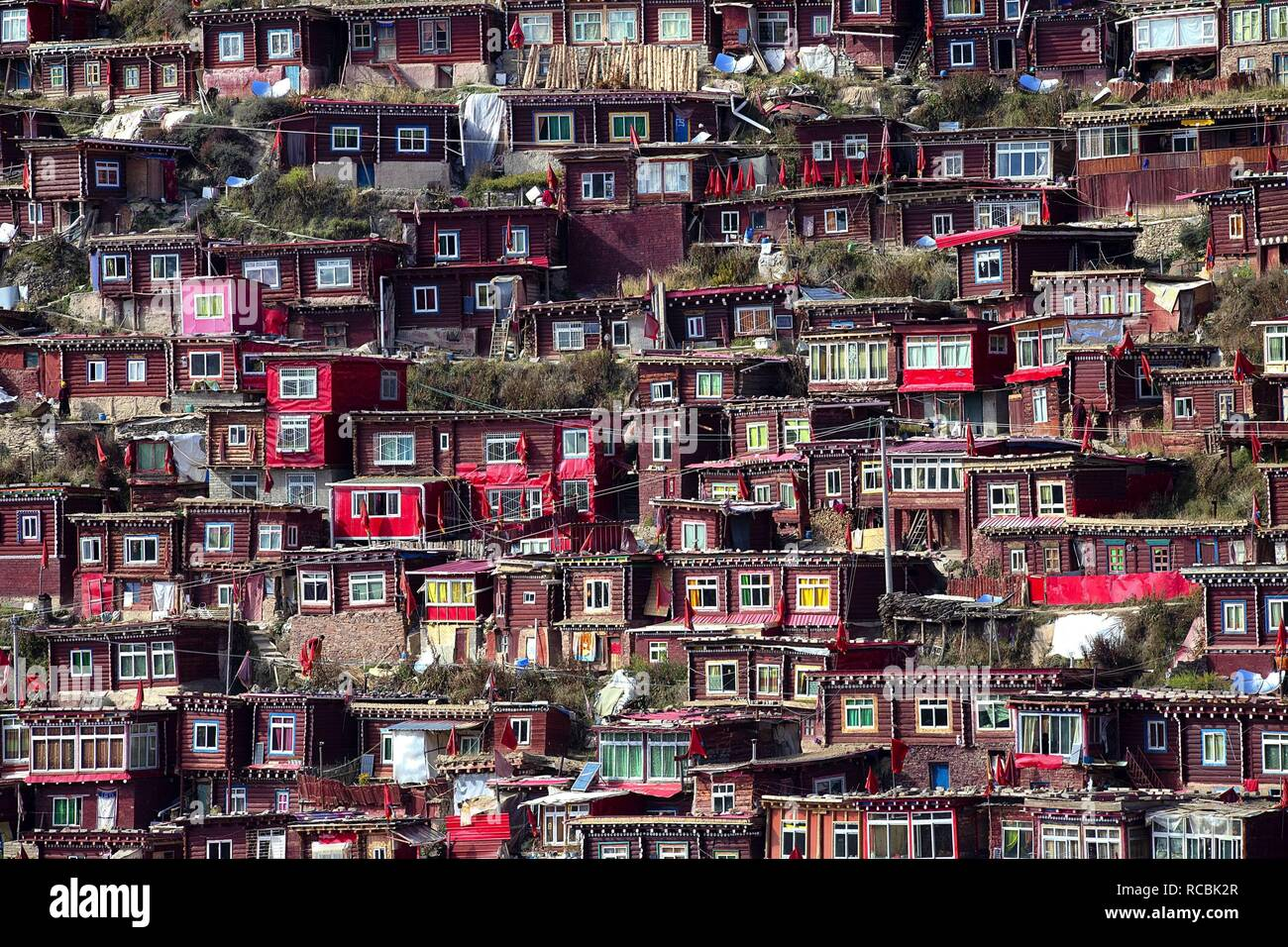 Sichuan, Sichuan, China. 15th Jan, 2019. Sichuan, CHINA-The Larung Gar Buddhist Academy is the worlds largest Tibetan Buddhist academy located in Seda County, southwest Chinas Sichuan Province. Credit: SIPA Asia/ZUMA Wire/Alamy Live News - Stock Image
