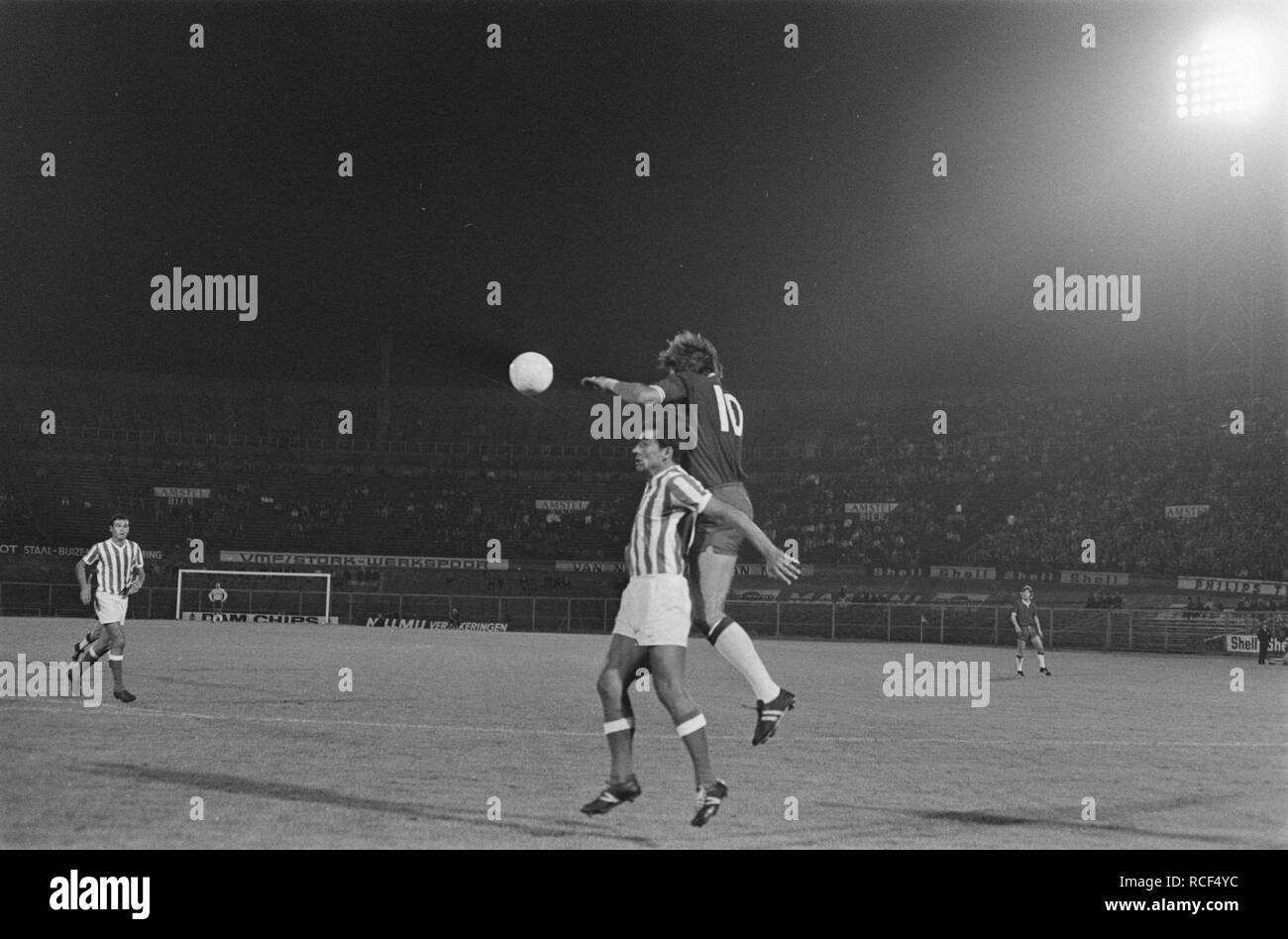 Ajax tegen Menduri Tirana 2-0, Europa Cup I, Bestanddeelnr 923-8899. - Stock Image