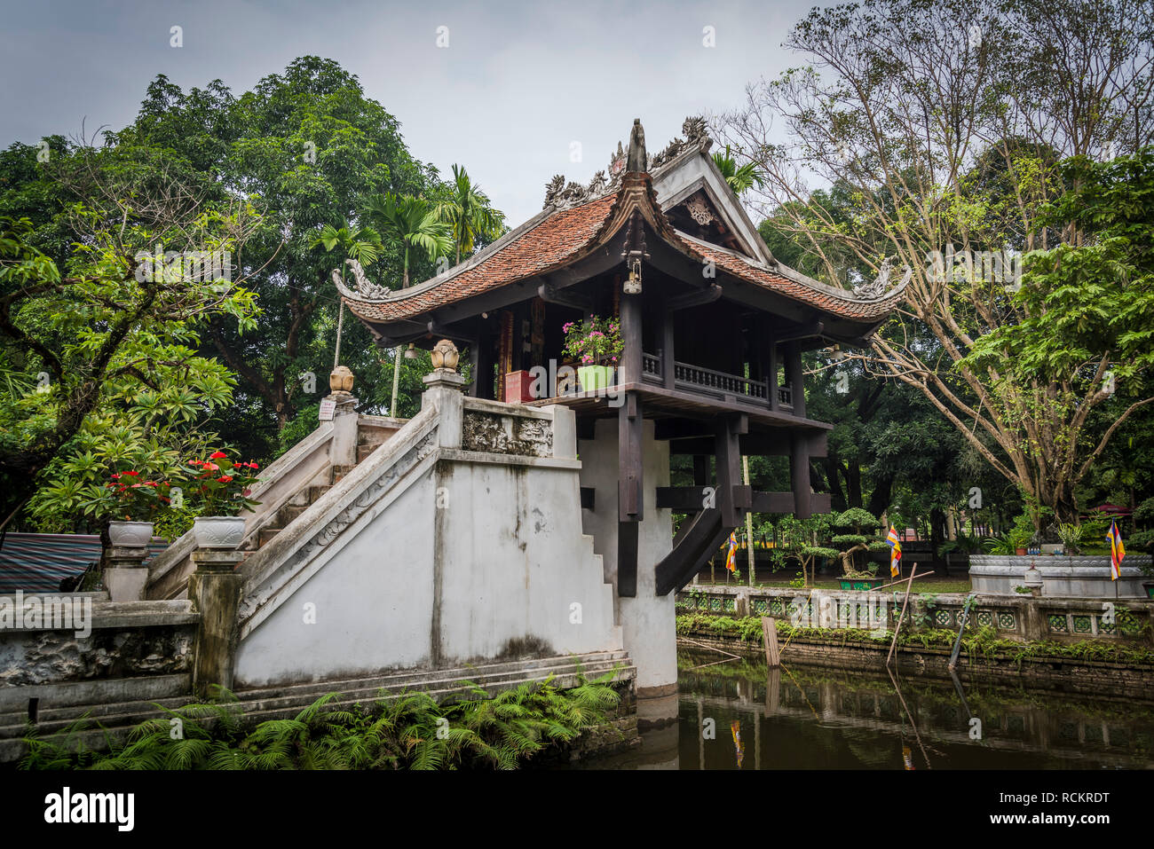 One Pillar Pagoda, a historic Buddhist temple built during Ly Dynasty in the 11th century, Hanoi, Vietnam Stock Photo
