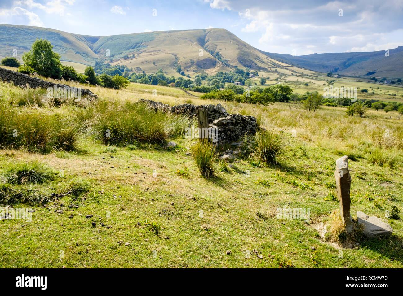 The Vale of Edale in Summer sunshine, Derbyshire, Peak District, England, UK - Stock Image