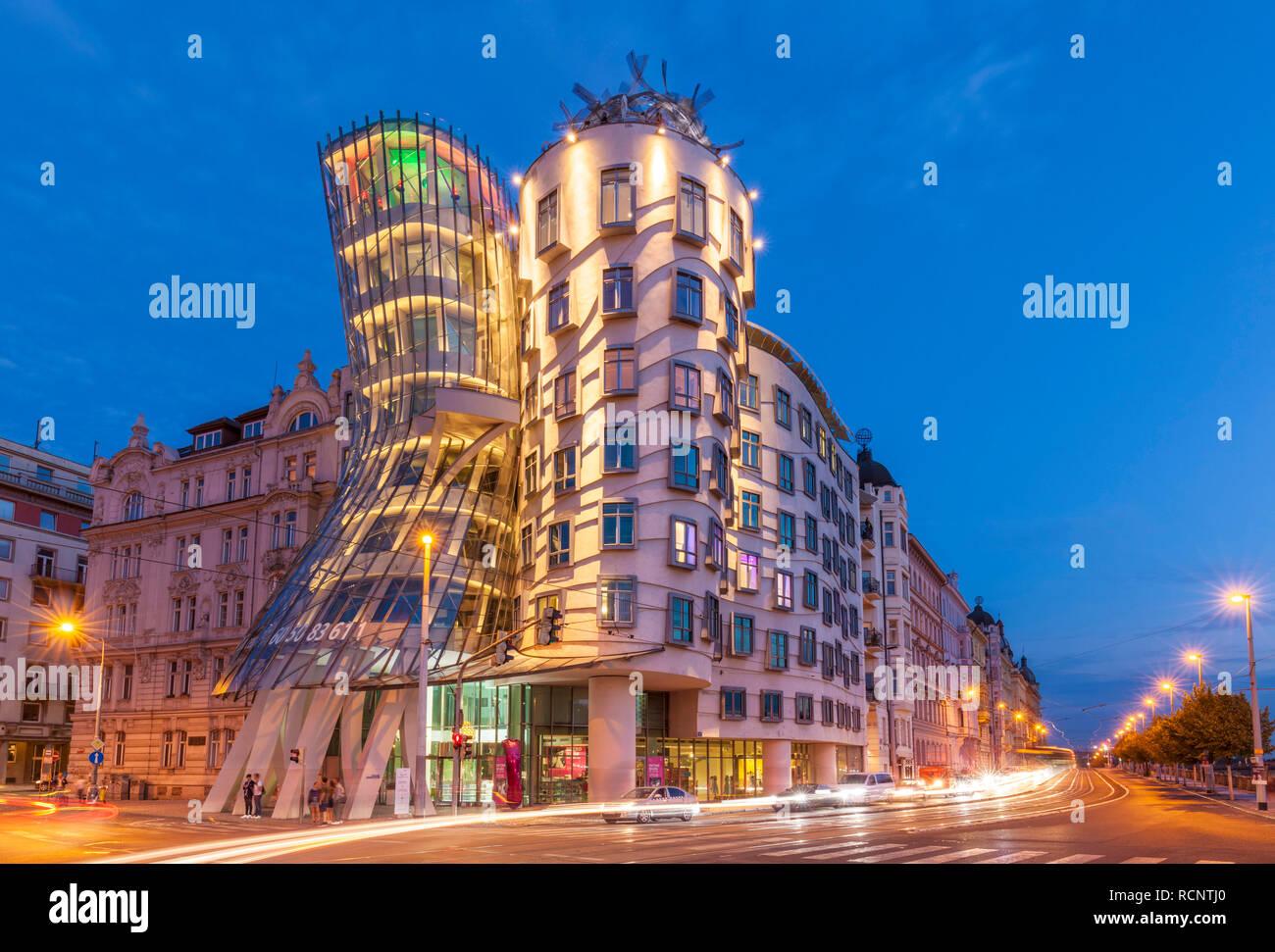 Dancing house Prague by architect Frank Gehry Tančící dům Prague Czech Republic EU Europe - Stock Image