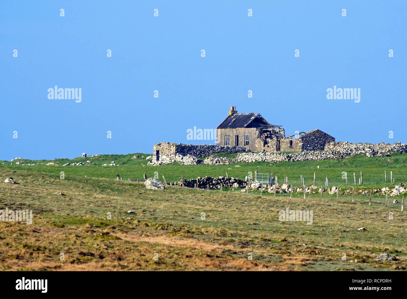 Abandoned and dilapidated crofter's house, Shetland Islands, Scotland, UK - Stock Image