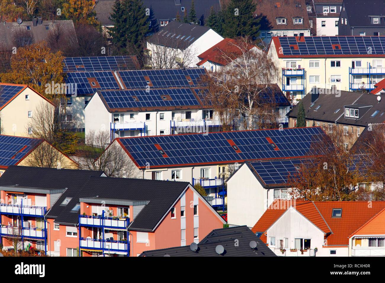 Multi-family houses, photovoltaic systems, solar systems on many roofs of the residential area, Bottrop, North Rhine-Westphalia - Stock Image