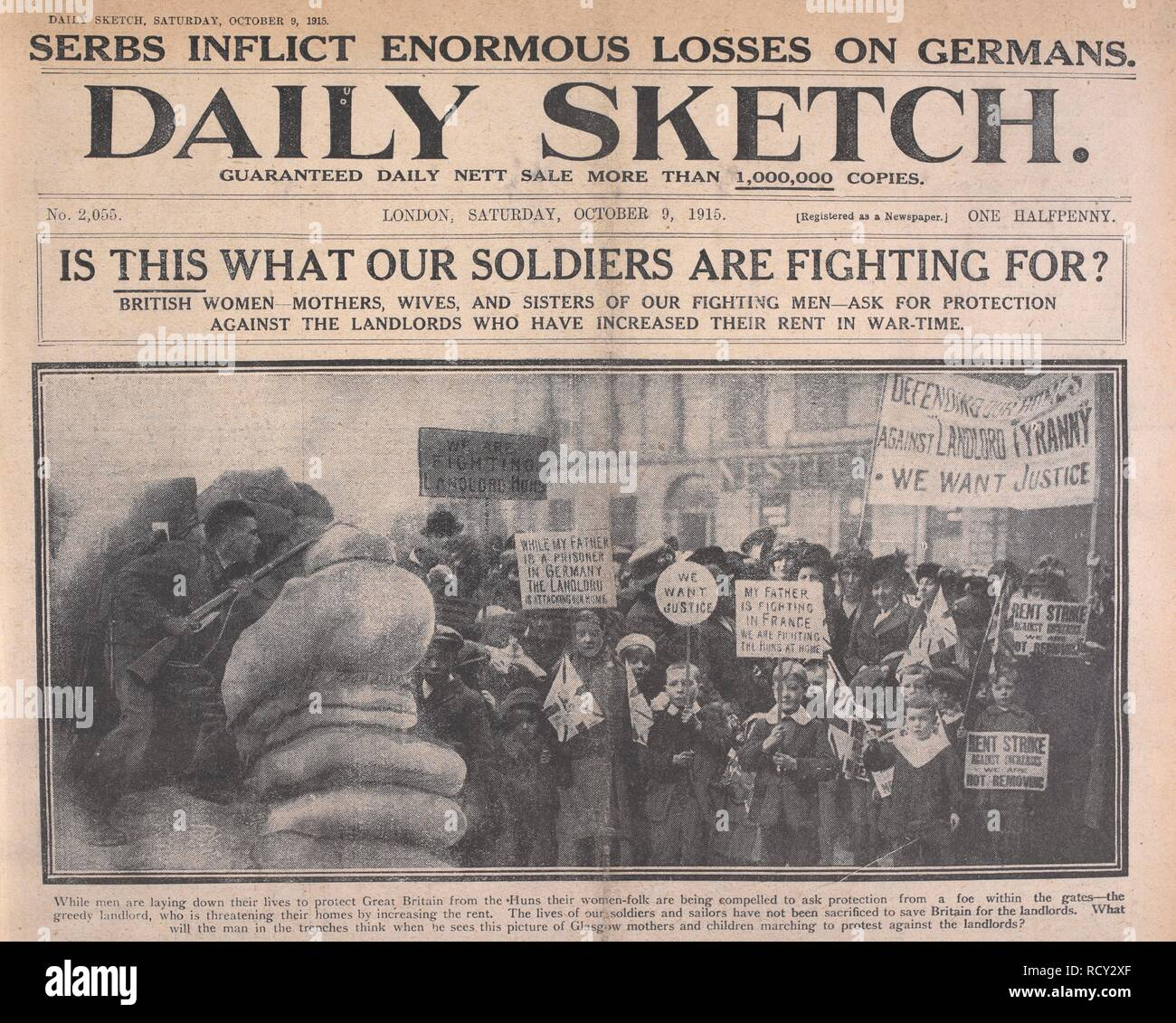 'Is this what our soldiers are fighting for?' British women ... ask for protection against the landlords who have increased their rent in war-time'. This is a picture of mothers and children on a protest march in Glasgow, Scotland. Daily Sketch. London, 1915. Source: Daily Sketch, 9 October 1915. - Stock Image