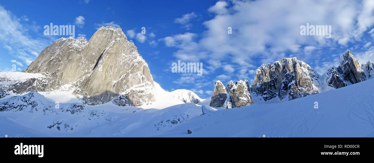 The Bugaboo Spires Mountains, a mountain range in the Purcell Mountains, Bugaboo Provincial Park, Britisch Columbia - Stock Image