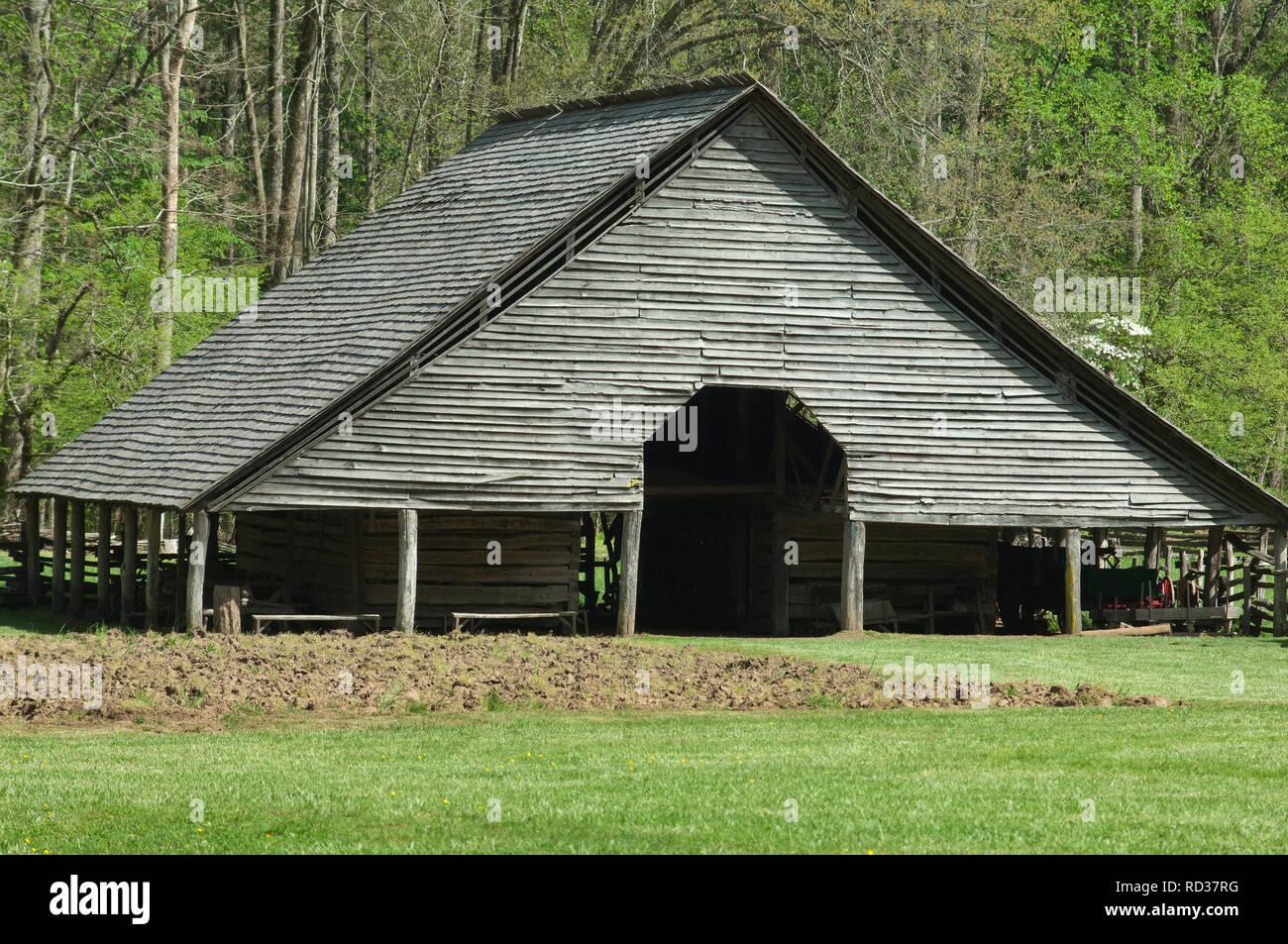 Livestock barn, Great Smoky Mountains National Park, border of NC and TN. Digital photograph - Stock Image