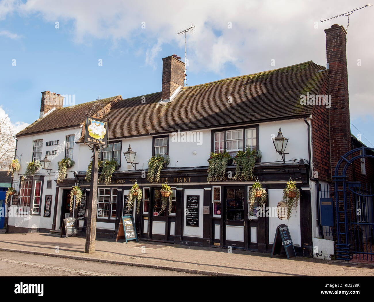 The White Hart public house, High Street, Crawley, West Sussex, England, UK. - Stock Image