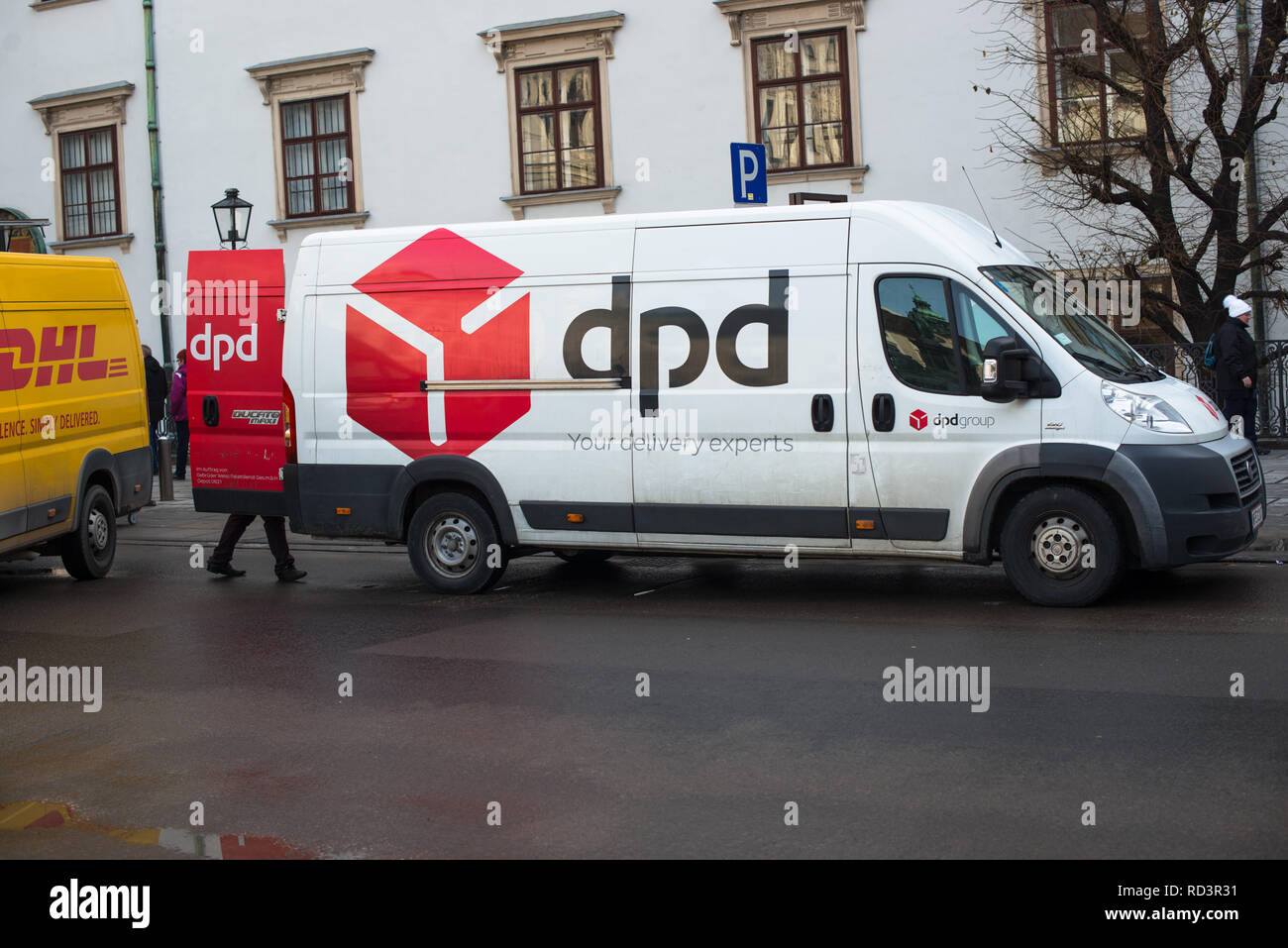 Dpd Delivery Truck Stock Photos & Dpd Delivery Truck Stock Images