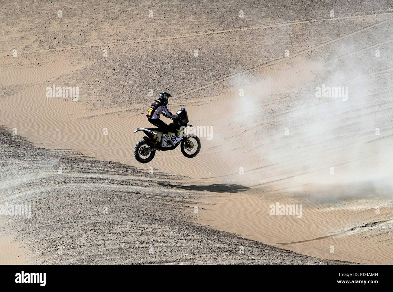 Pisco, Peru. 16th Jan, 2019. Chilean Pablo Quintanilla of Husqvarna during the ninth stage of the Rally Dakar 2018, in Pisco, Peru, 16 January 2019. Credit: Ernesto Arias/EFE/Alamy Live News - Stock Image