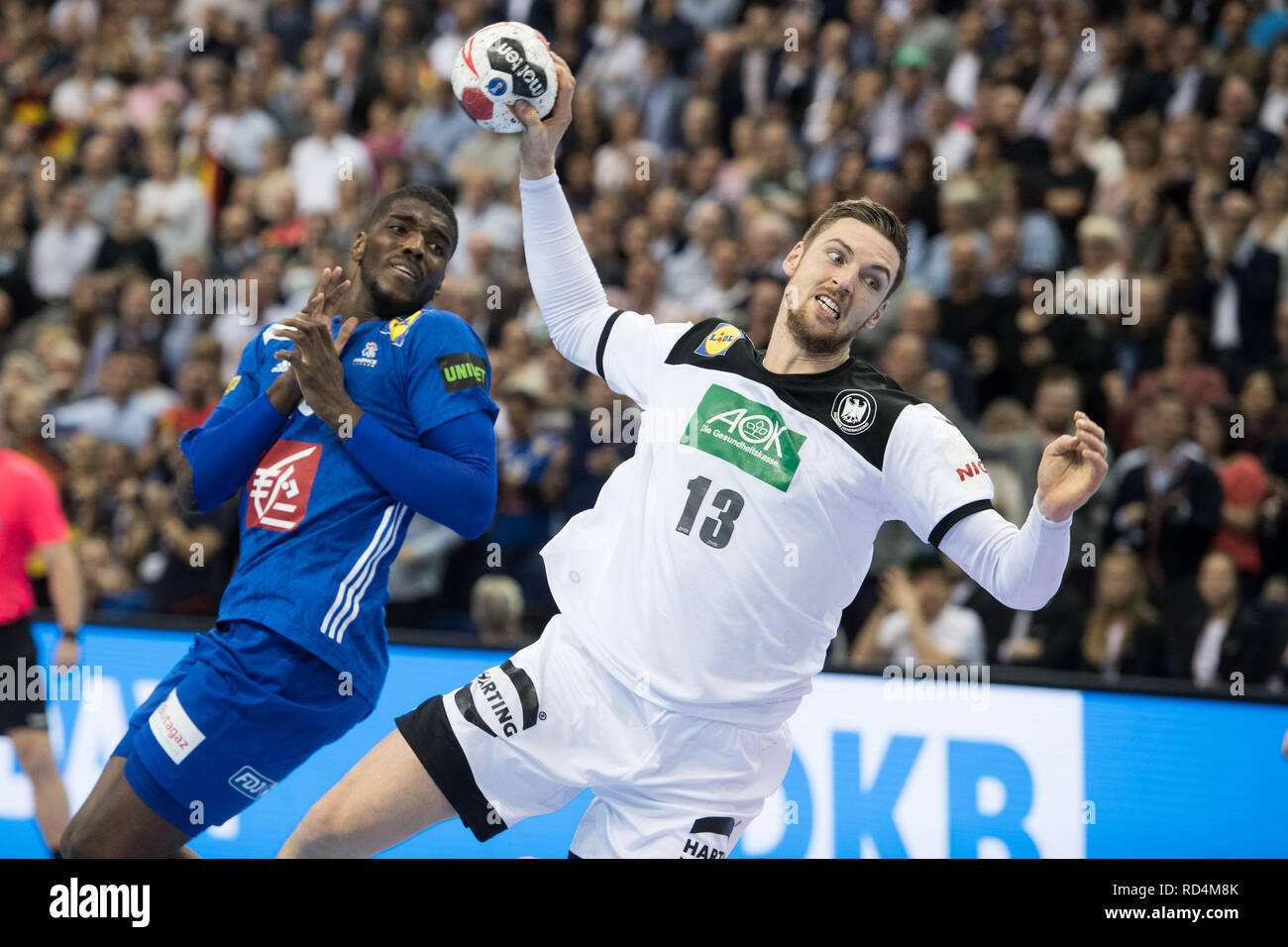 Berlin, Deutschland. 15th Jan, 2019. Hendrik PEKELER (GER) throws on goal, throw, goal throw, action, preliminary round group A, Germany (GER) - France (FRA) 25:25, on 15.01.2019 in Berlin/Germany. Handball World Cup 2019, from 10.01. - 27.01.2019 in Germany and Denmark.   Usage worldwide Credit: dpa/Alamy Live News Stock Photo