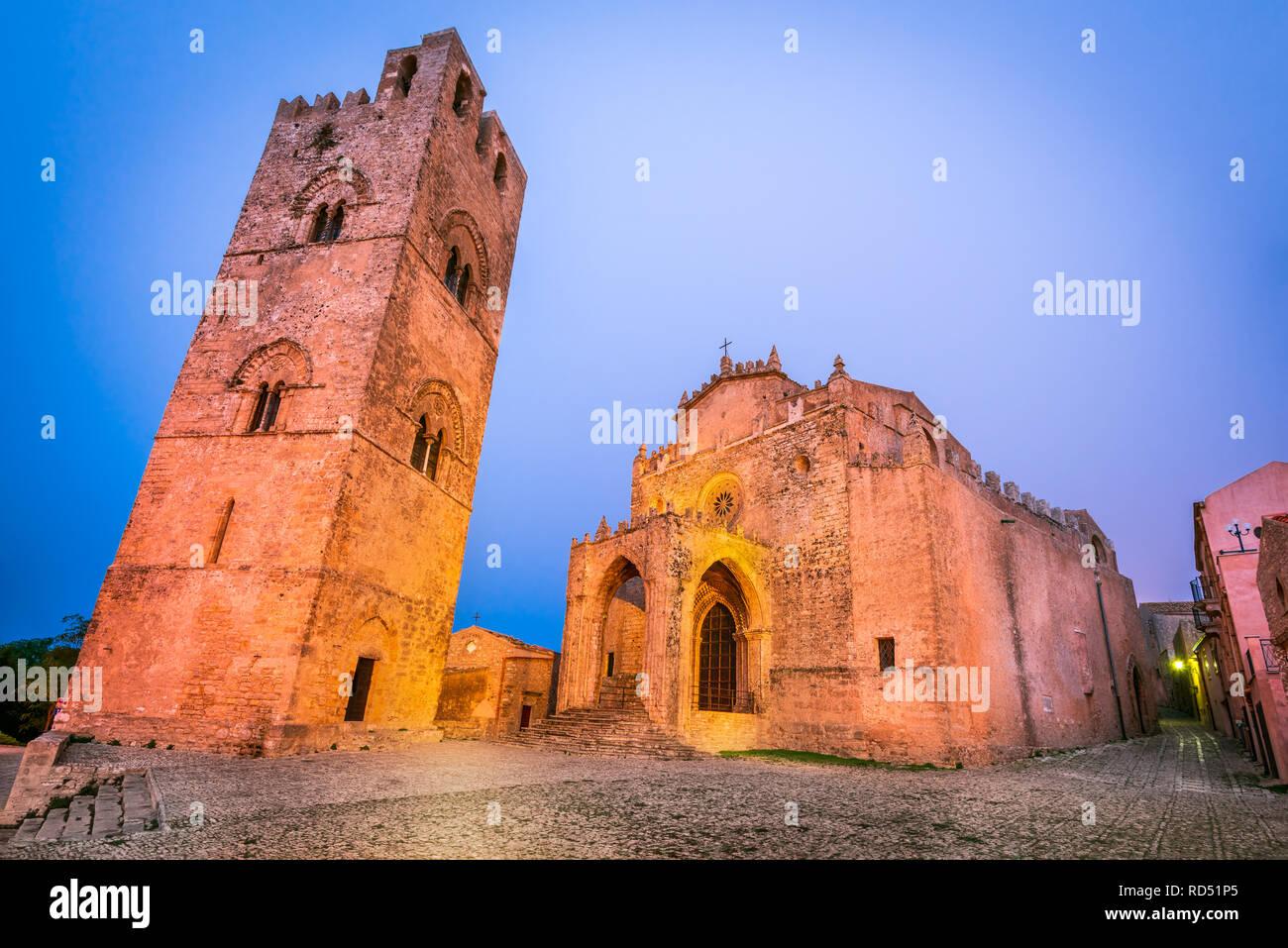 Erice, Sicily. Chiesa Madre, Duomo Assunta main church of medieval stonewalled city Erix, Italy. - Stock Image