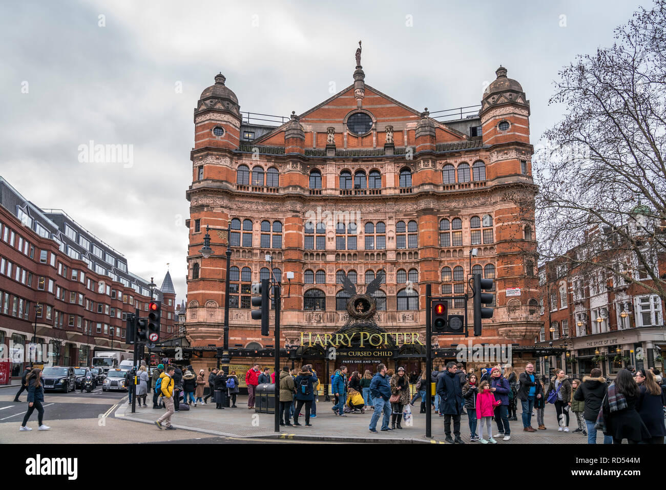Harry Potter And The Cursed Child Musical im Palace Theatre, Westend, London, Vereinigtes Königreich Großbritannien, Europa |  Palace Theatre with Har - Stock Image