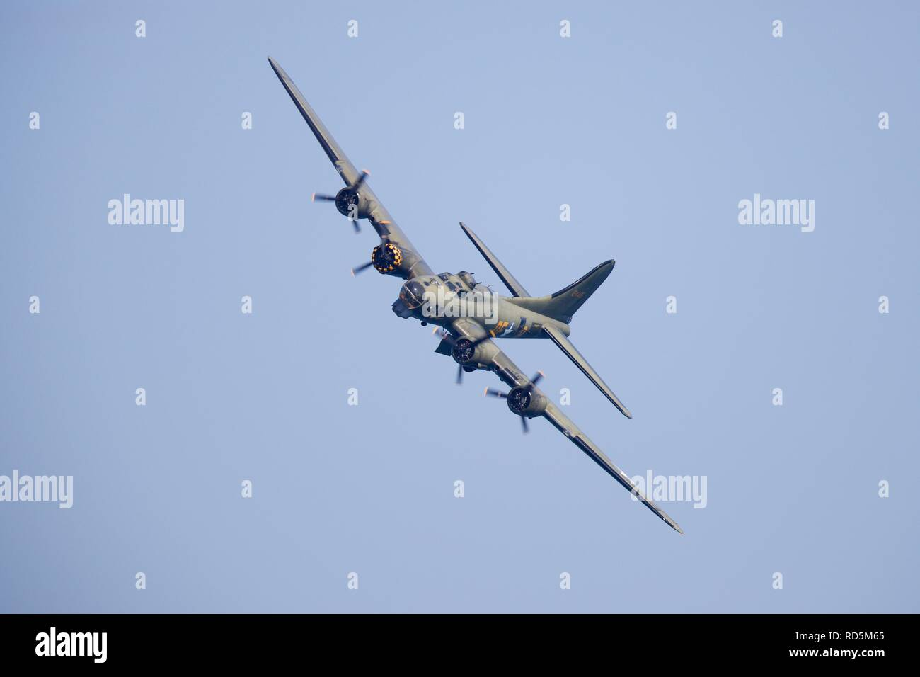 B-17 Flying Fortress G-BEDF Sally B flying at the 2018 Bournemouth Air Festival Stock Photo