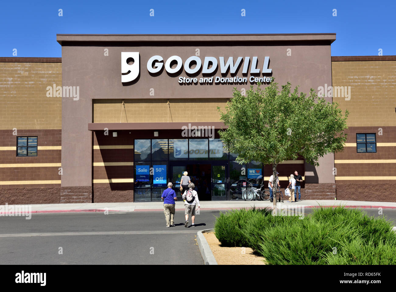 Outside Goodwill store and donation center, Arizona, USA - Stock Image