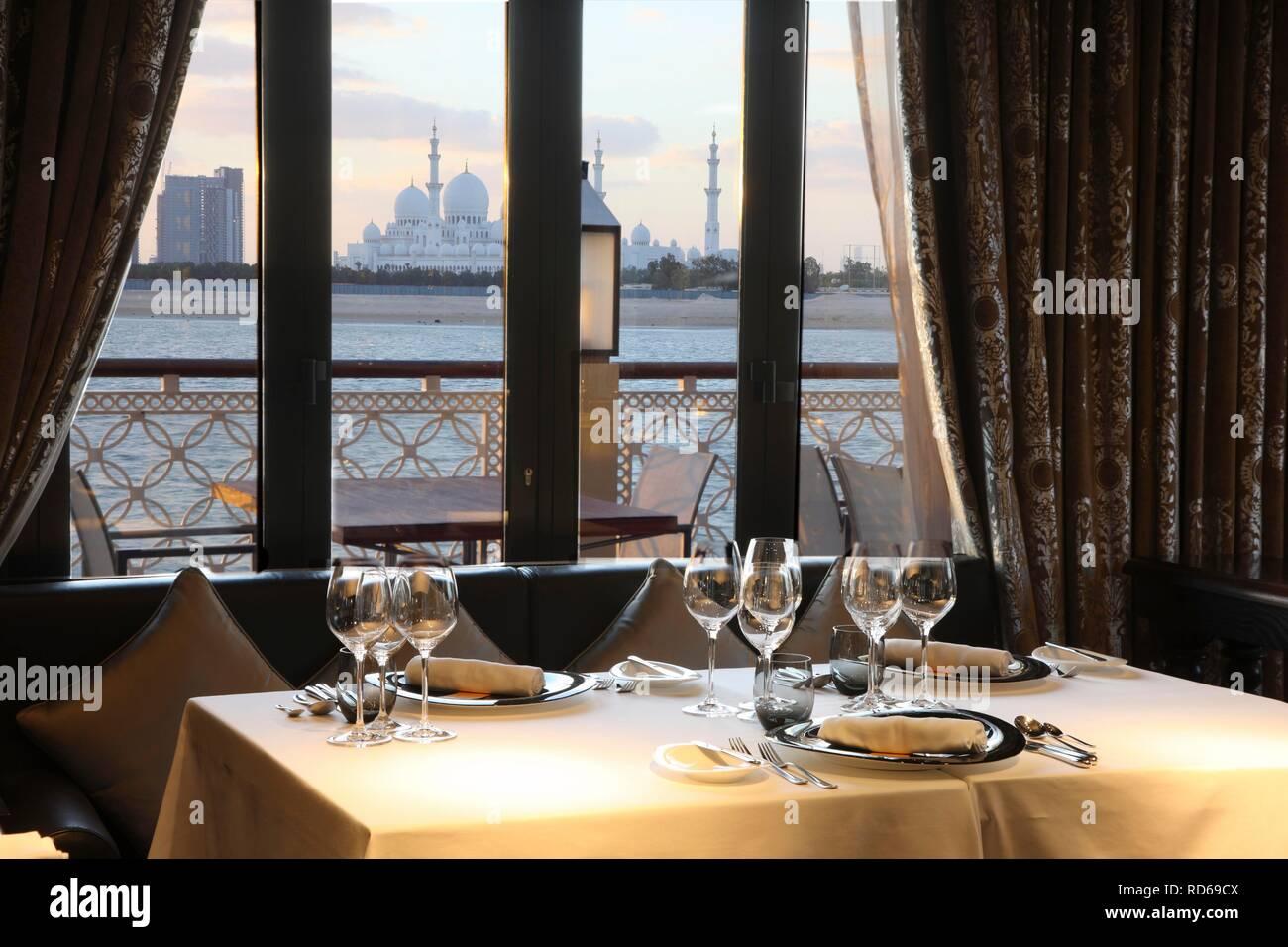Shangri-La Hotel, Qaryat Al Beri, Pearls and Caviar