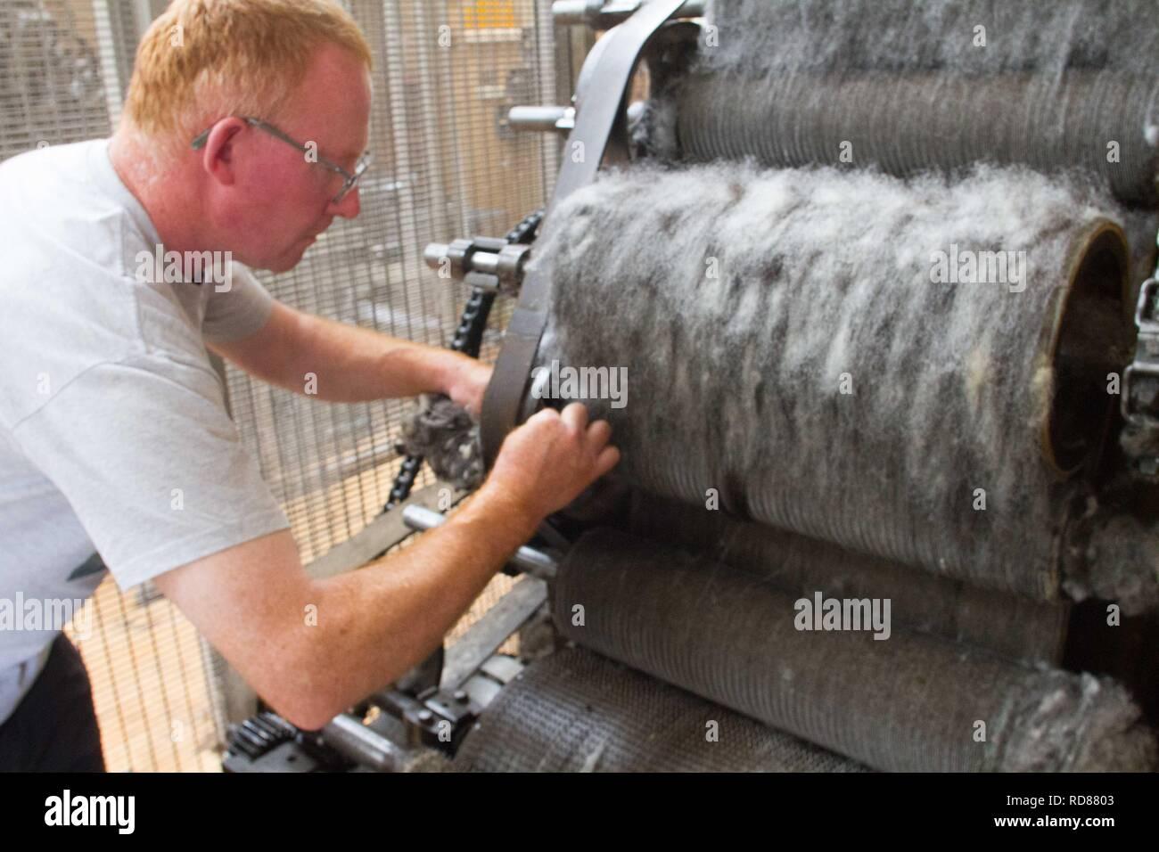 Carding Machine Wool Stock Photos & Carding Machine Wool