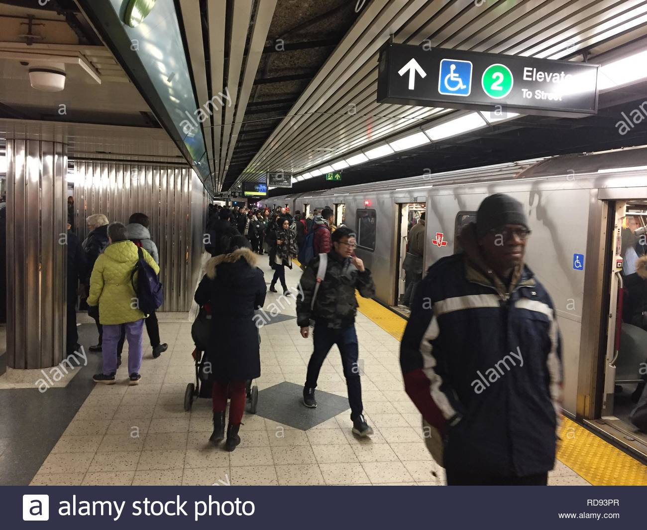 The crowded Bloor-Yonge TTC subway station in Toronto, Ontario, Canada. - Stock Image