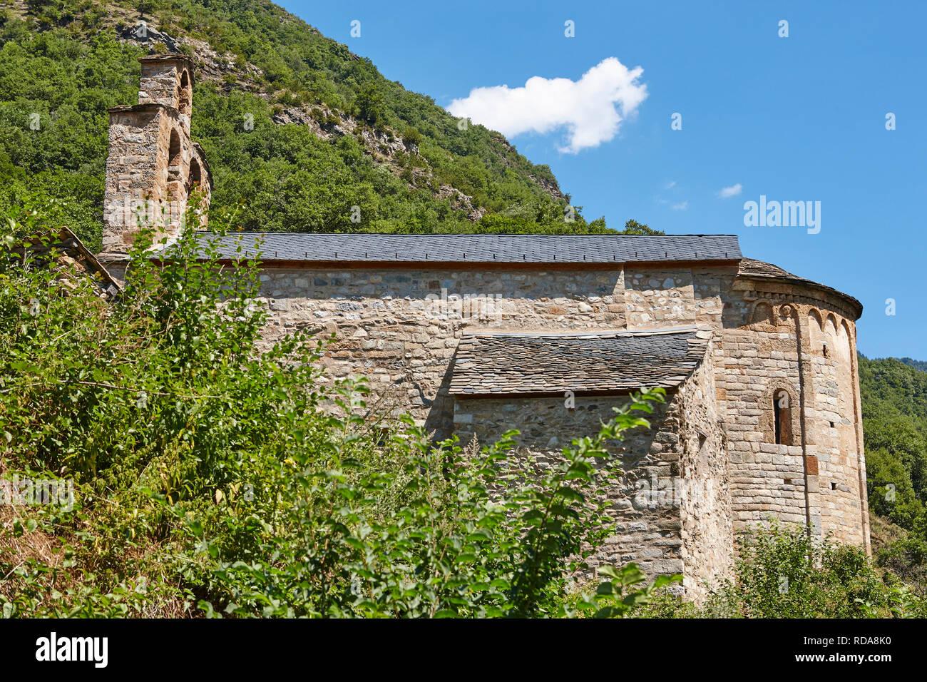 Spanish romanesque art. Santa Maria Cardet church. Boi valley. Catalonia - Stock Image
