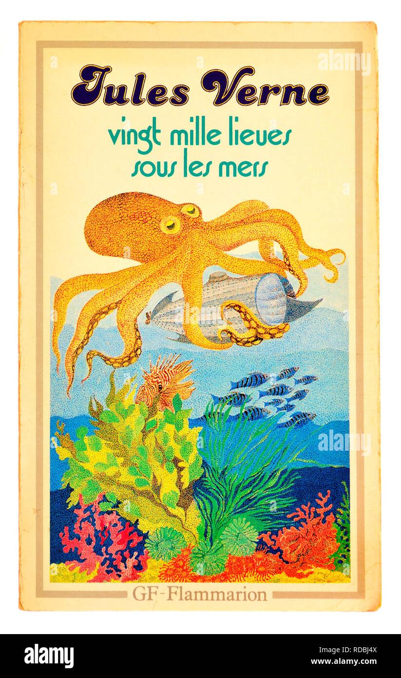 Vingt Mille Lieues sous la Mer (Jules Verne : 1870) Twenty Thousand Leagues under the Sea - French edition - Stock Image