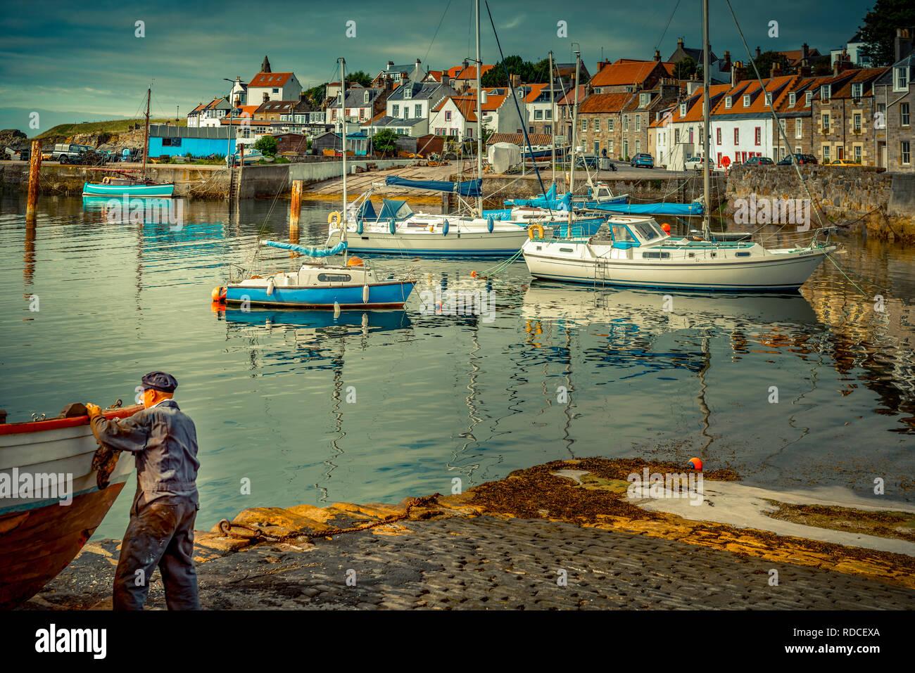 Europa, Großbritannien, Schottland, Küste, Küstenwanderweg, Fife Coastal Path, St. Monans, Hafen, Boot, Fischer Stock Photo