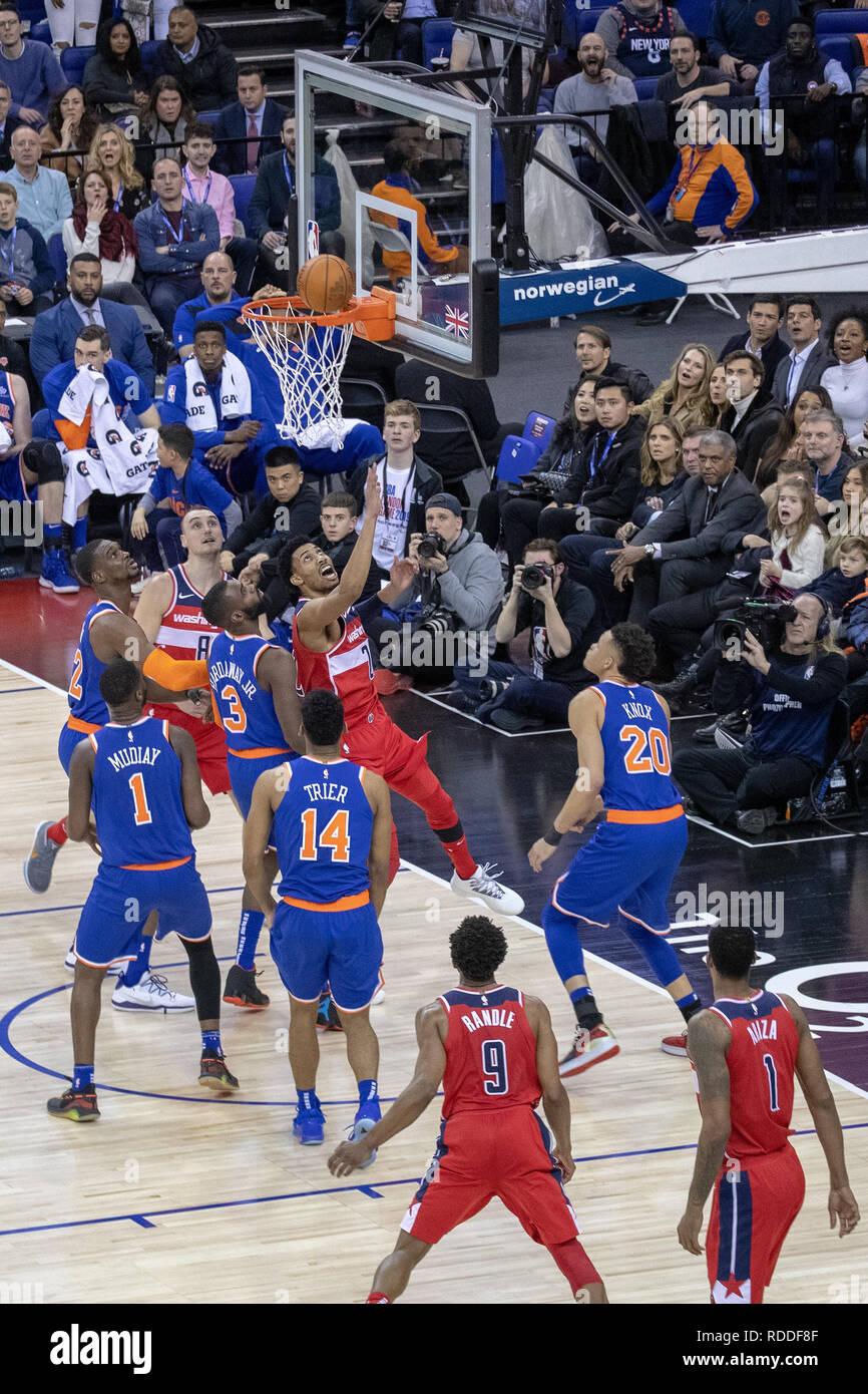 Nba Basketball New York Knicks: Derrick Rose Basketball Stock Photos & Derrick Rose