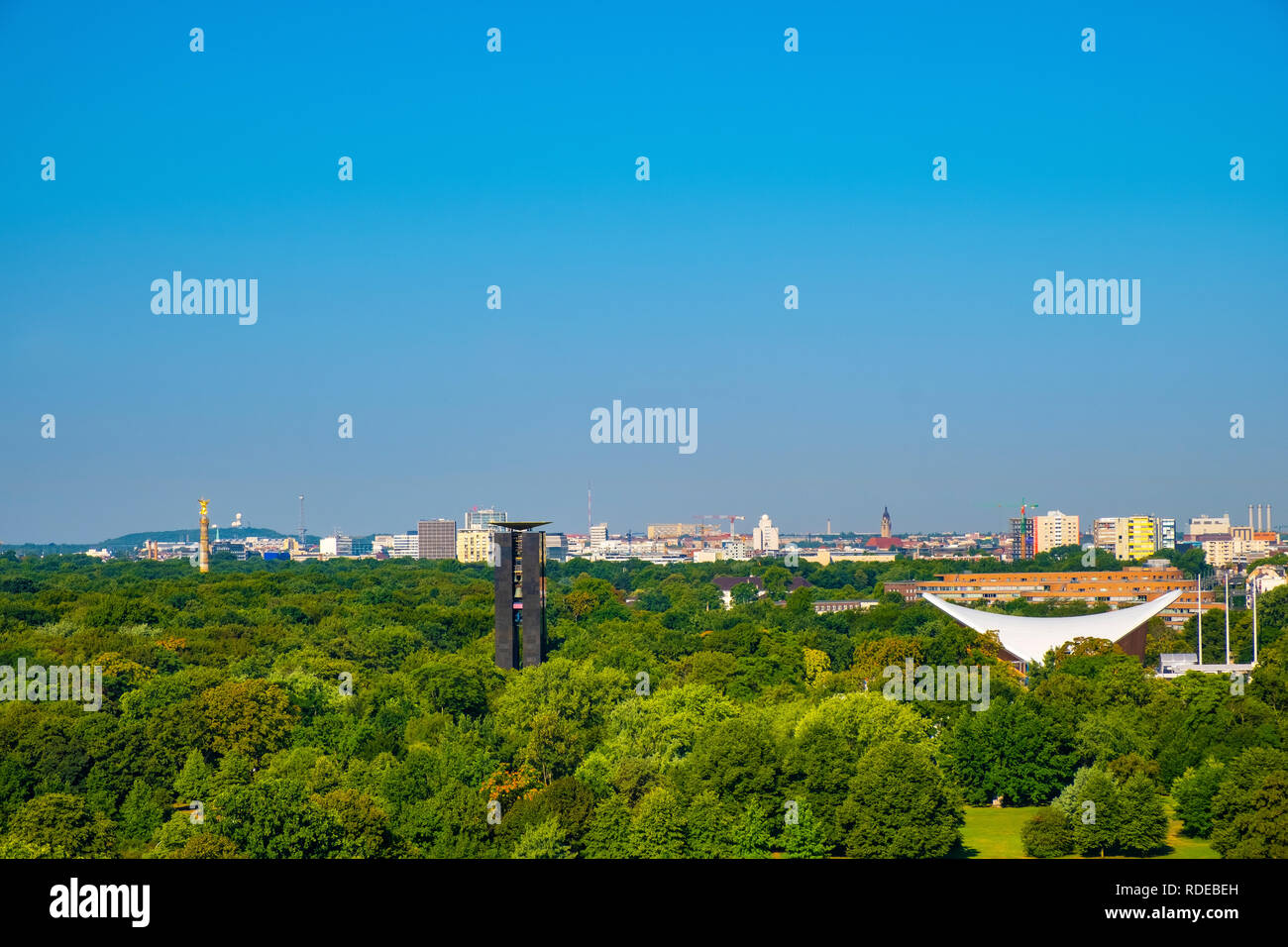 Berlin, Berlin state / Germany - 2018/07/31: Panoramic view of the Groser Tiergarten park with modern House of the World's Cultures - Haus der Kulture - Stock Image