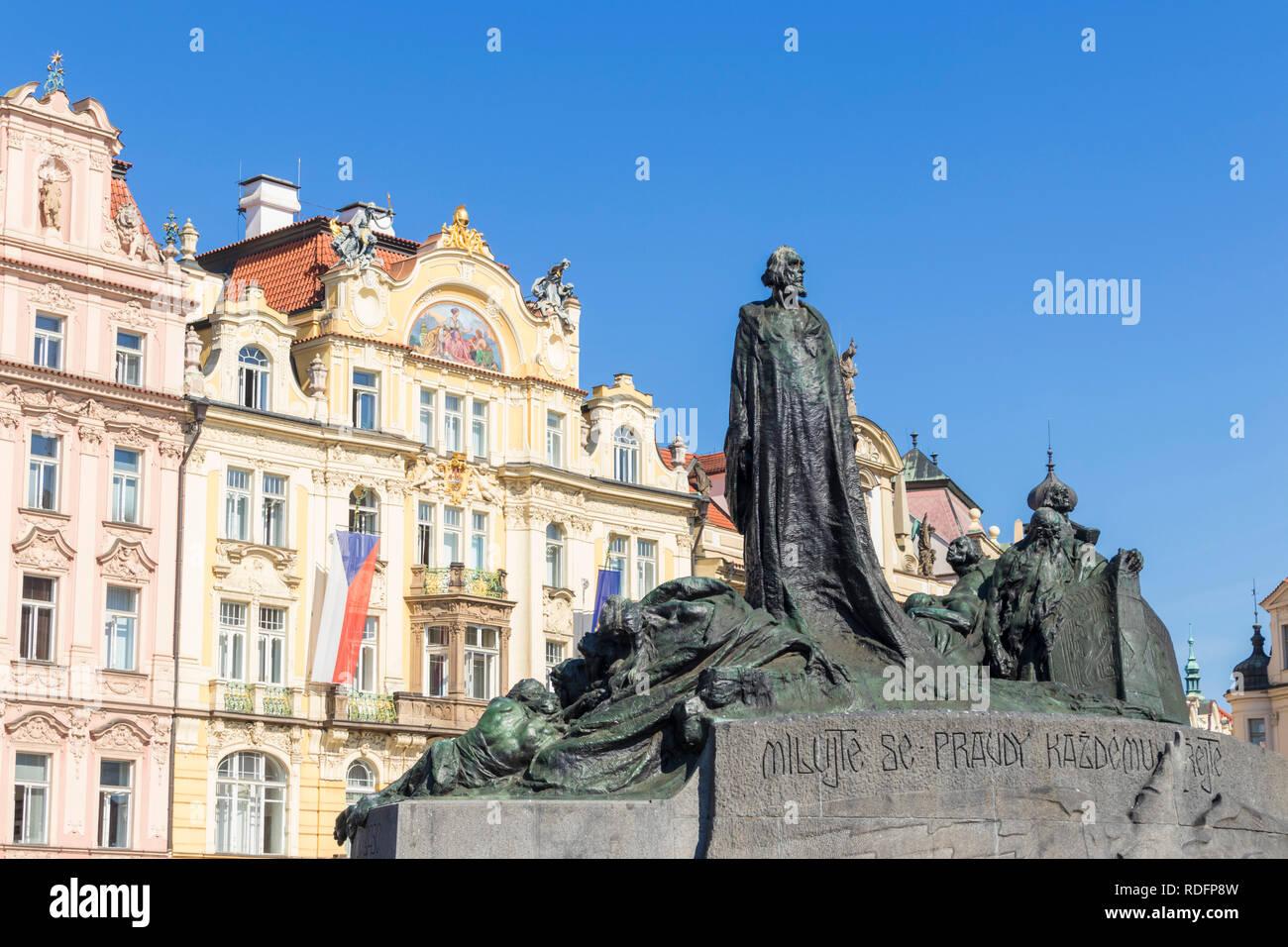 Prague the Jan Hus memorial by Ladislav Šaloun monument in the Old town square Staroměstské náměstí Prague Czech Republic Europe - Stock Image