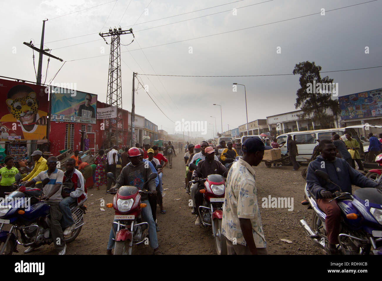 The roads in Goma, North Kivu, Democratic Republic of Congo are dusty, congested, and chaotic. - Stock Image