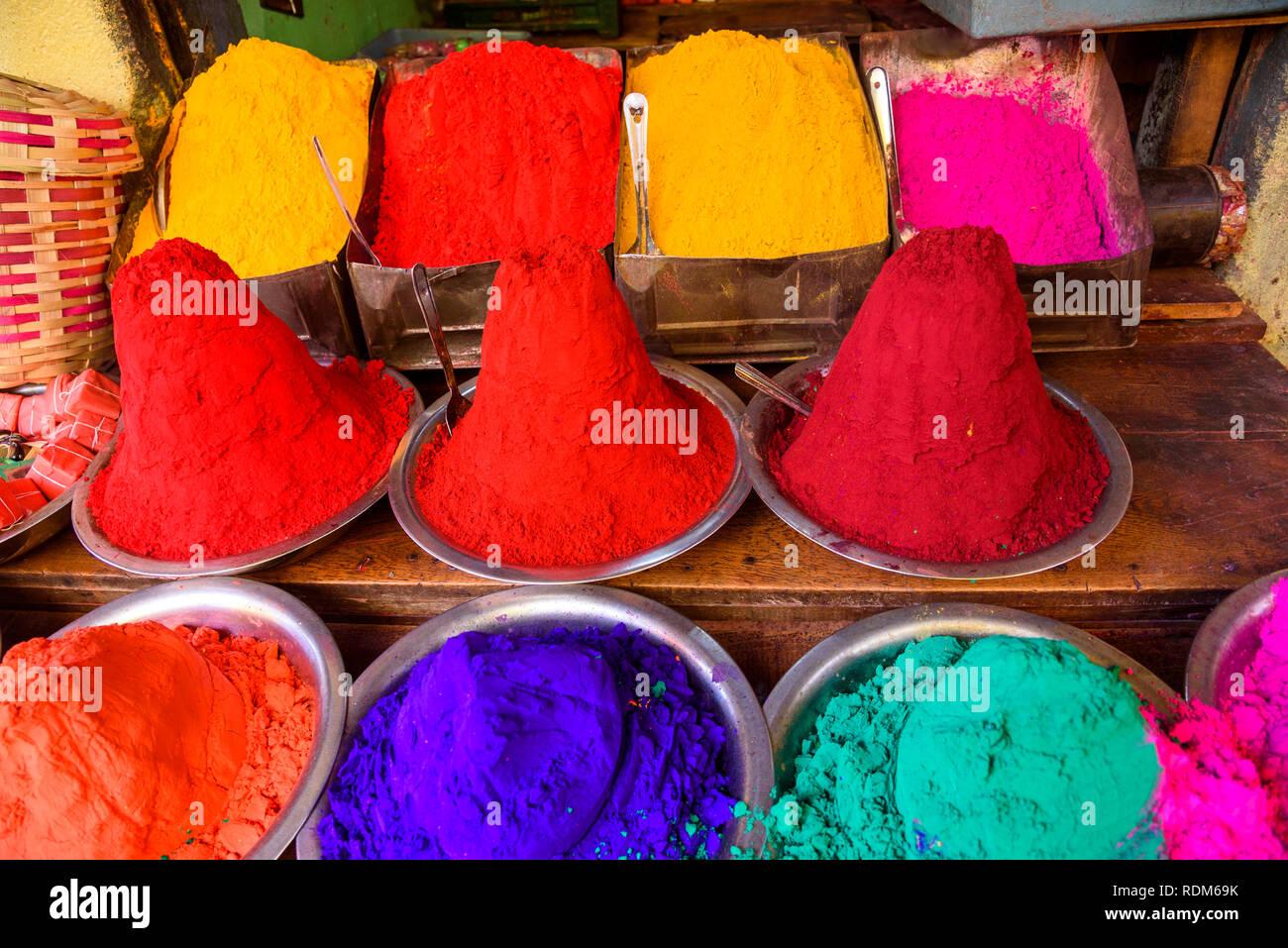 Stall selling coloured powder for bindis and tilaka face paint, Devaraja market, Mysore. Mysuru, Karnataka, India - Stock Image