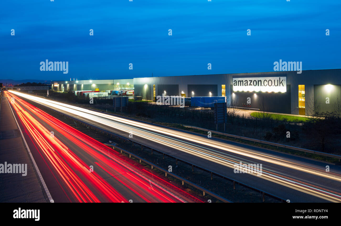 View of Amazon distribution warehouse centre in Dunfermline, Fife, Scotland, UK - Stock Image
