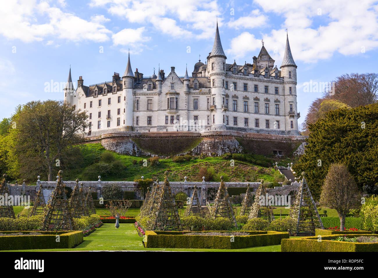 Old Dunrobin castle in the background and stunning garden in the  foreground 9a4d71036b3e2