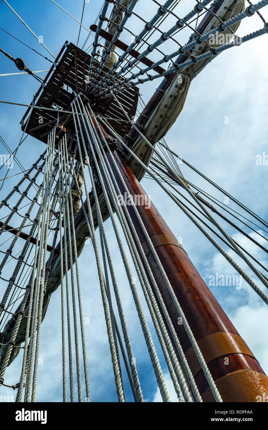 Main mast and rigging, Galeon Andalucia (17th Century replica), Miami, Florida USA - Stock Image