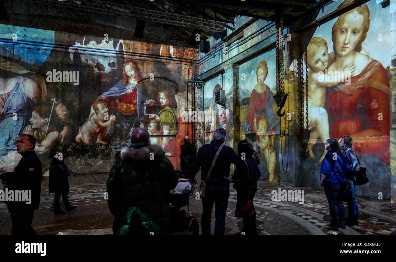 Leipzig Germany 19th Jan 2019 Visitors Stand In The Exhibition Giants Of The Renaissance New View Of Old Masters In The Kunstkraftwerk To Mark The 500th Anniversary Of The Death Of