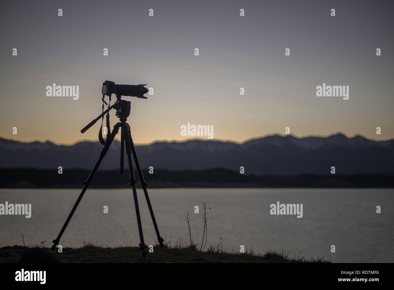 Nikon D610 Silouette, Lake Pukaki, NZ - Stock Image
