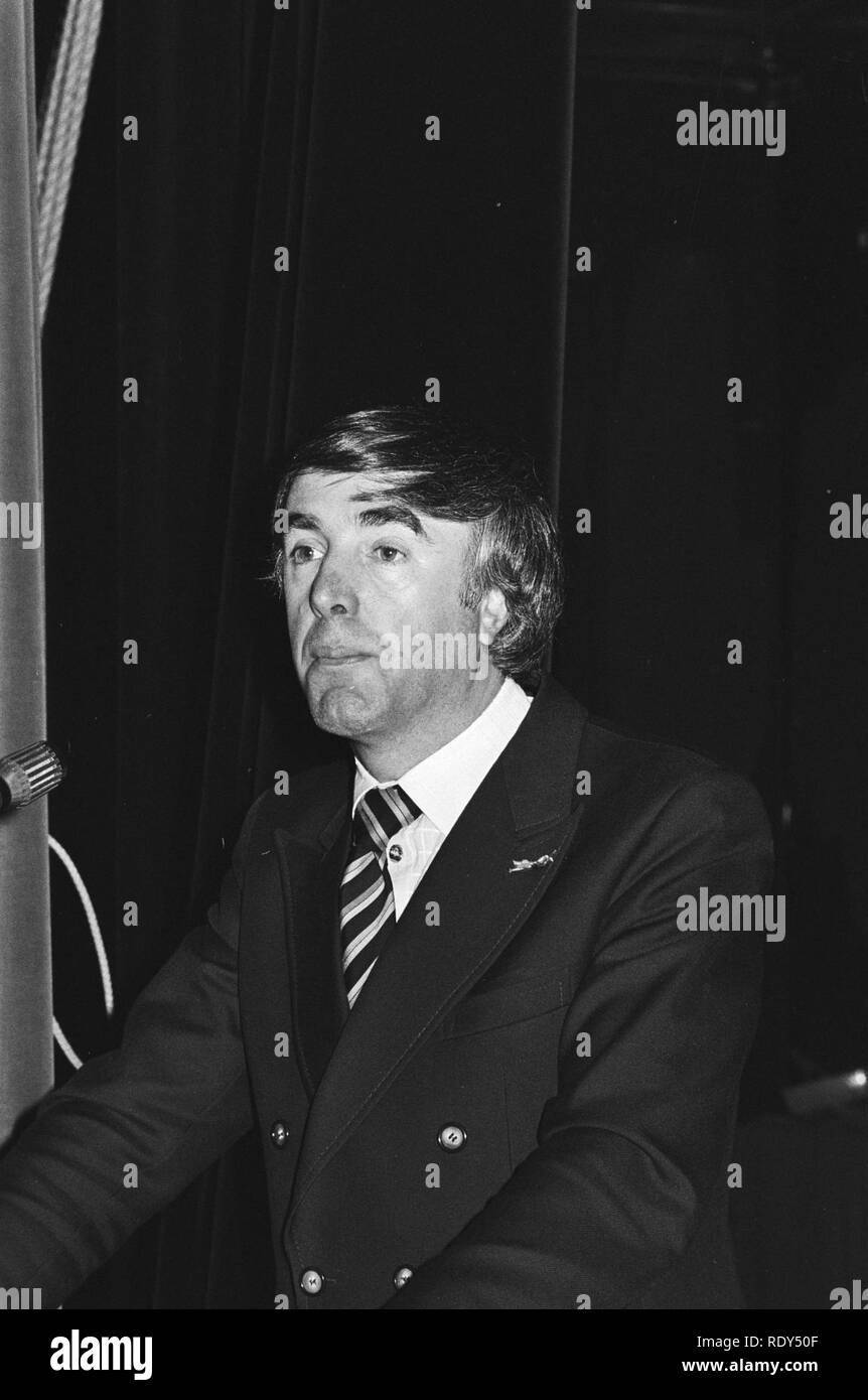 d09ca17f07b1 ARP Partijraad in Zutphen voorzitter de Boer aan het woord (foto genomen op  vri
