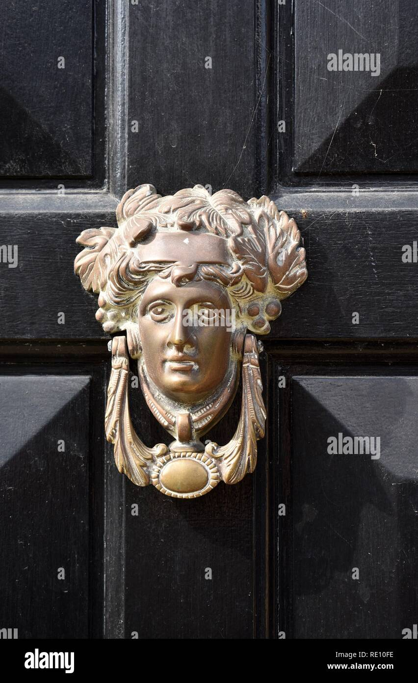 Picture of: Antique Door Knocker On Old Door Chipping Campden Glos Cotswolds England Stock Photo Alamy