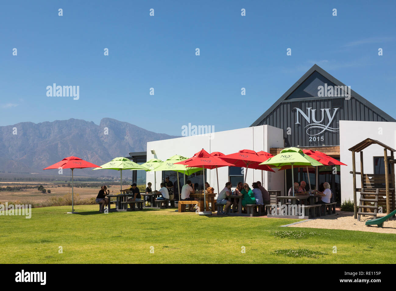 Nuy on the Hill Restaurant and Winery between Robertson and Worcester, Breede River Valley, Western Cape winelands, South Africa. People dining, Lange - Stock Image