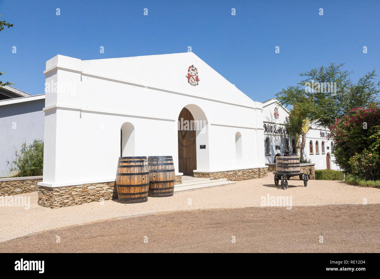 Van Loveren Wine Estate, Robertson, Breede River Valley, Western Cape Winelands,  South Africa. The cellar and wine tasting venue with retail outlet - Stock Image