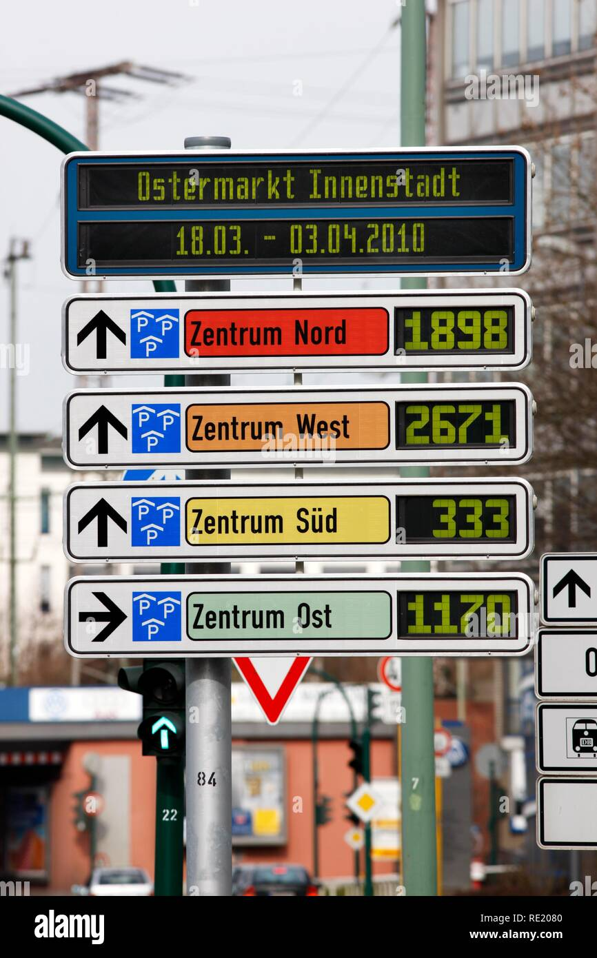 Car-Park Routing System, all inner city parking decks are linked, free parking spaces are shown, Essen, North Rhine-Westphalia - Stock Image